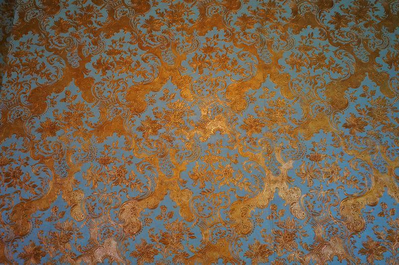 カラフルな壁紙は必見!東京上野で和洋折衷が楽しめる「旧岩崎邸庭園」