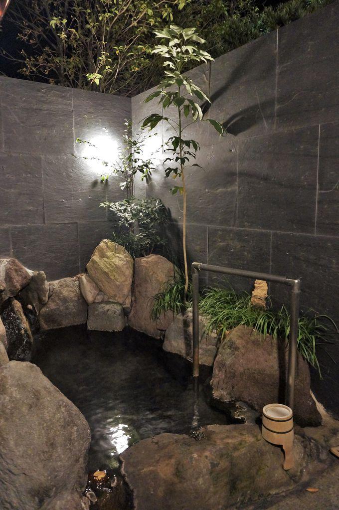 源泉かけ流しの天然温泉で癒しの時間
