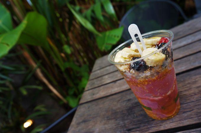 朝食:コナ・コーヒー&アサイーボール