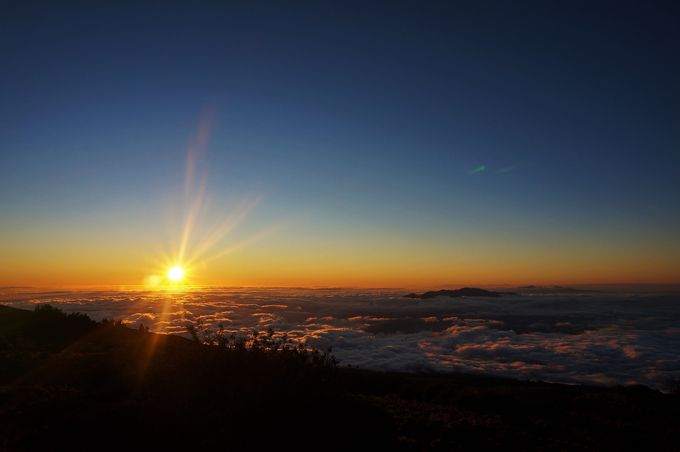 神秘的な夕焼け&雲海は必見!