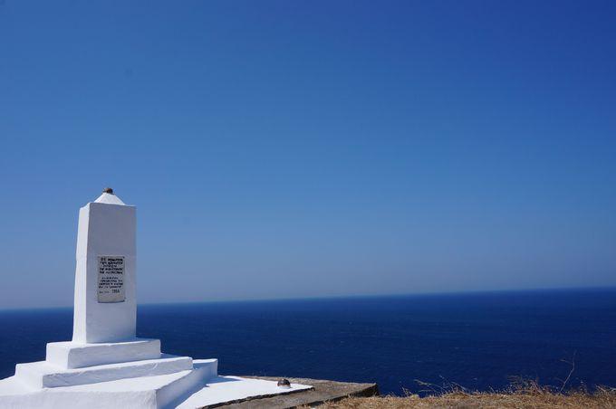 丘の頂上からエーゲ海を一望