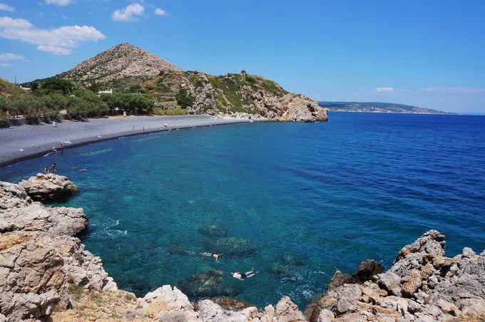 ギリシャ人にも人気のビーチ「マヴラ・ヴォーリァ」