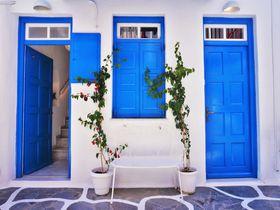 青と白の世界!エーゲ海に浮かぶ島「ミコノス」の魅力とは?