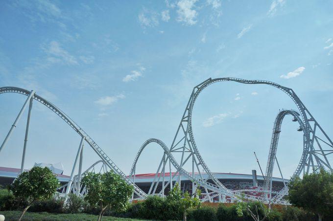 世界初のテーマパーク「フェラーリ・ワールド」