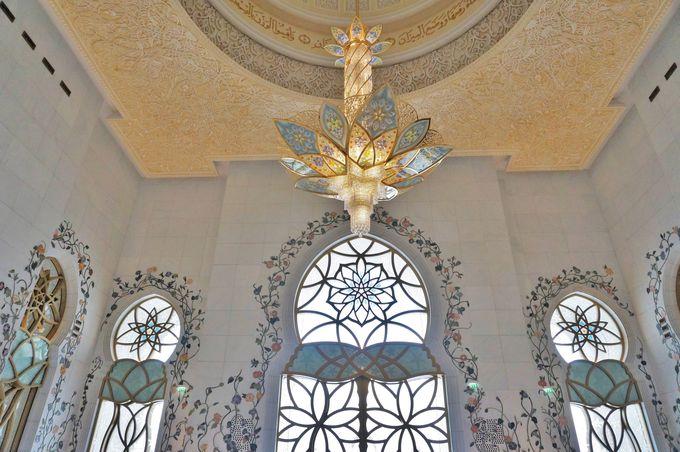 「グランド・モスク」は内装も必見!