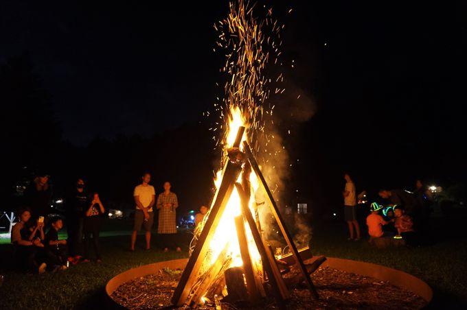 自然を満喫!夜は星空のもとでキャンプファイヤー