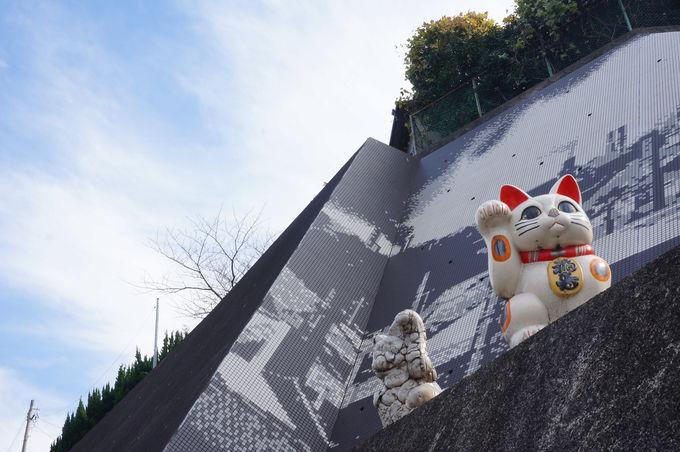 招き猫の生産日本一!安産祈願や良縁、旅行安全の招き猫も