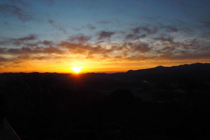 早起きのご褒美はピンクに染まる朝焼けの富士山