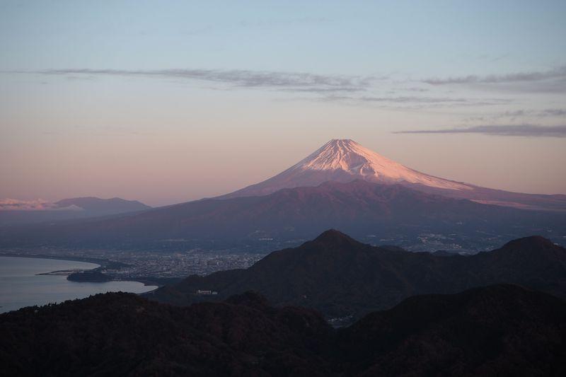 お正月限定!伊豆の国パノラマパークから朝焼けの富士山を眺めよう