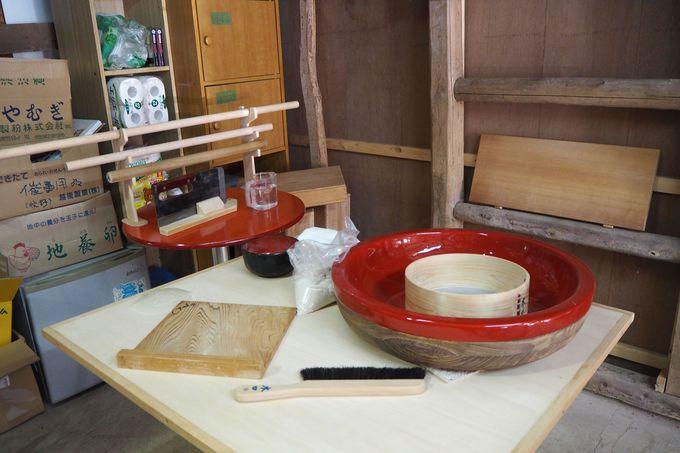 韮山高原産のそば粉を使った蕎麦打ち体験