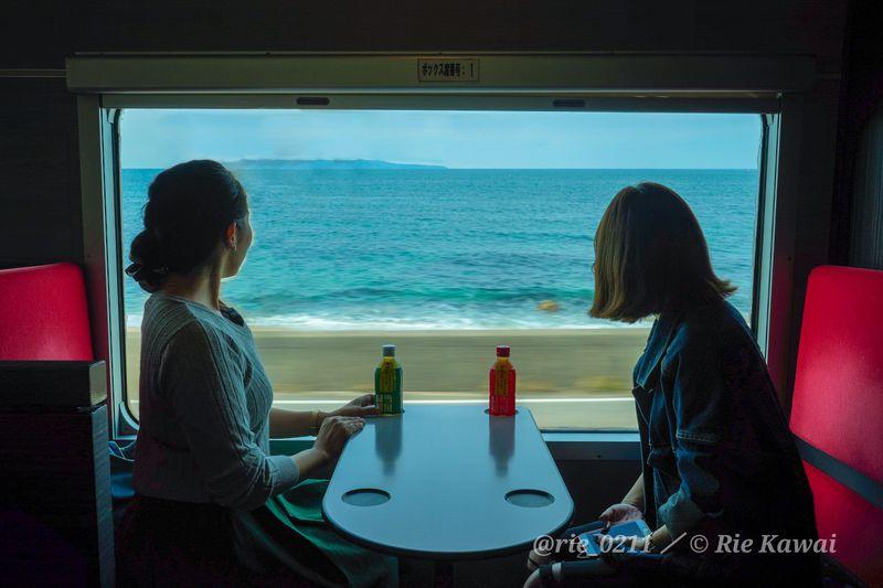 絶景に癒されたい!夏休みにおすすめの観光列車10選