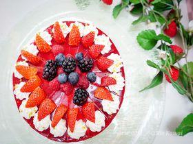 イチゴにまみれる!ヒルトン東京ベイの新春デザートブッフェ