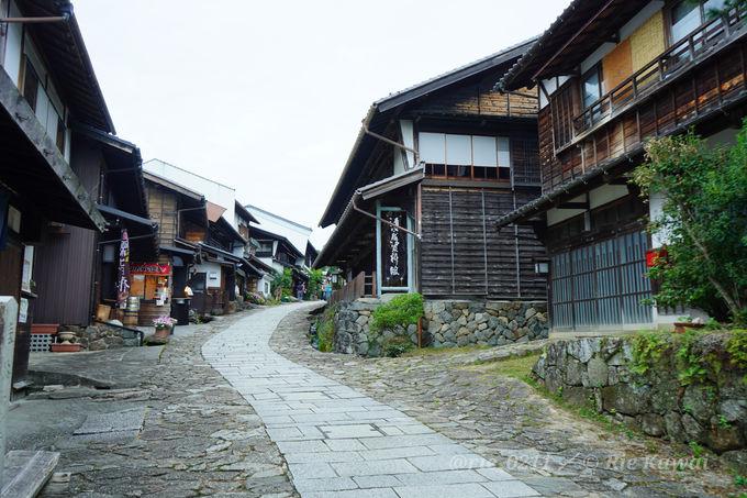 石畳の坂が美しい中山道の宿場町「馬籠宿」