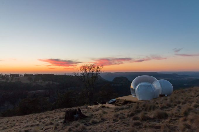 趣の異なる3つのバブルテント