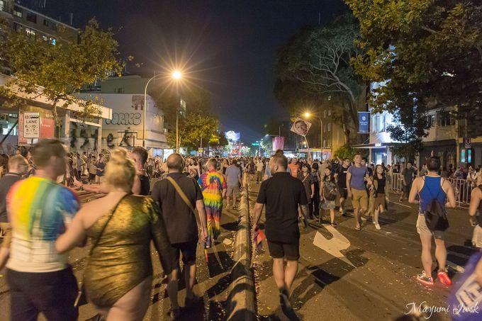 4時間に及ぶ大規模なパレード