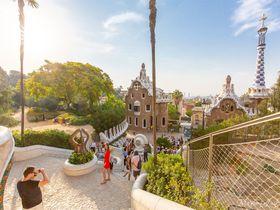 ガウディの世界観溢れるフォトジェニックな「グエル公園」