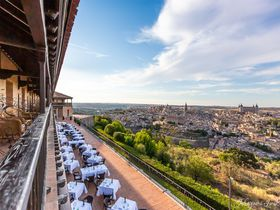 世界遺産を見渡す絶景ホテル「パラドール・デ・トレド」