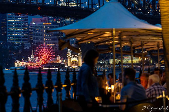オペラハウスとハーバーブリッジを見渡すレストラン