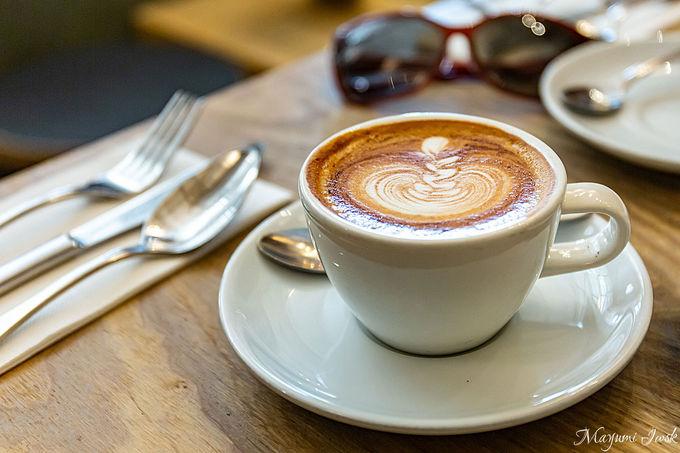 カフェの街に訪れたらまずはコーヒーを