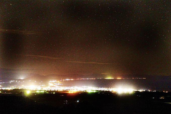 八雲のクレセントムーン夜景に酔いしれる幸せなひとときを