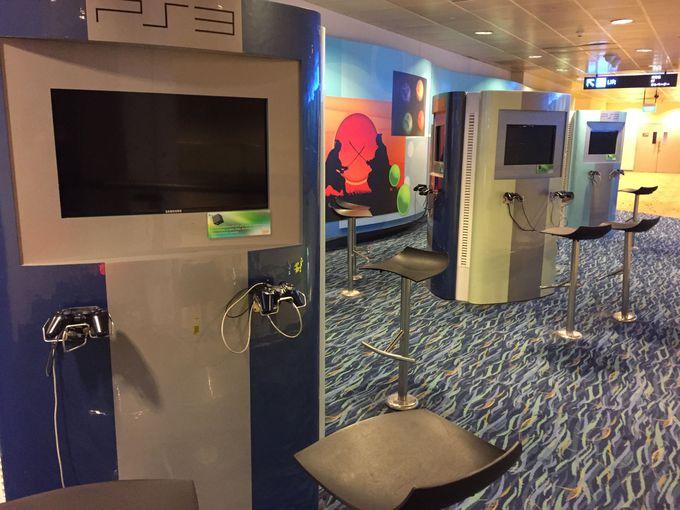 無料で楽しめる映画館やゲーム、プレイエリア