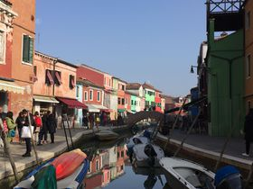 カラフルな家々が並ぶ離島も!水の都・ベネチアの離島3選