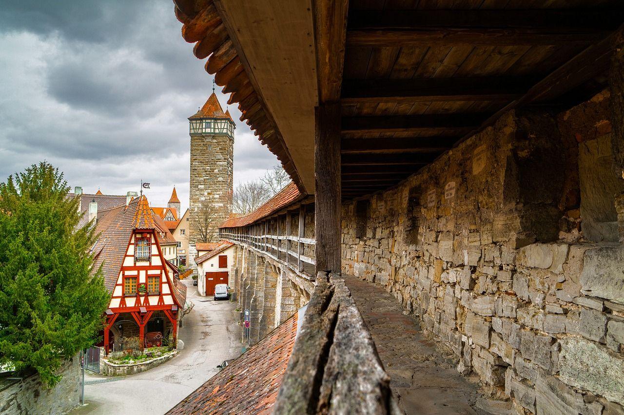 ローテンブルクを一周できる「城壁」