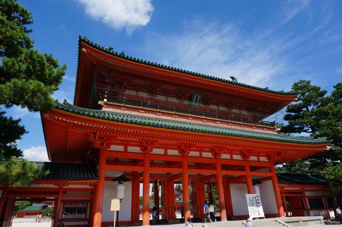 応天門は平安京の大内裏の政庁である朝堂院への正門。