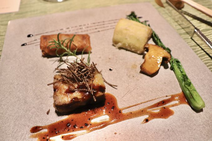 滞在するレストラン…究極の夕食タイム!