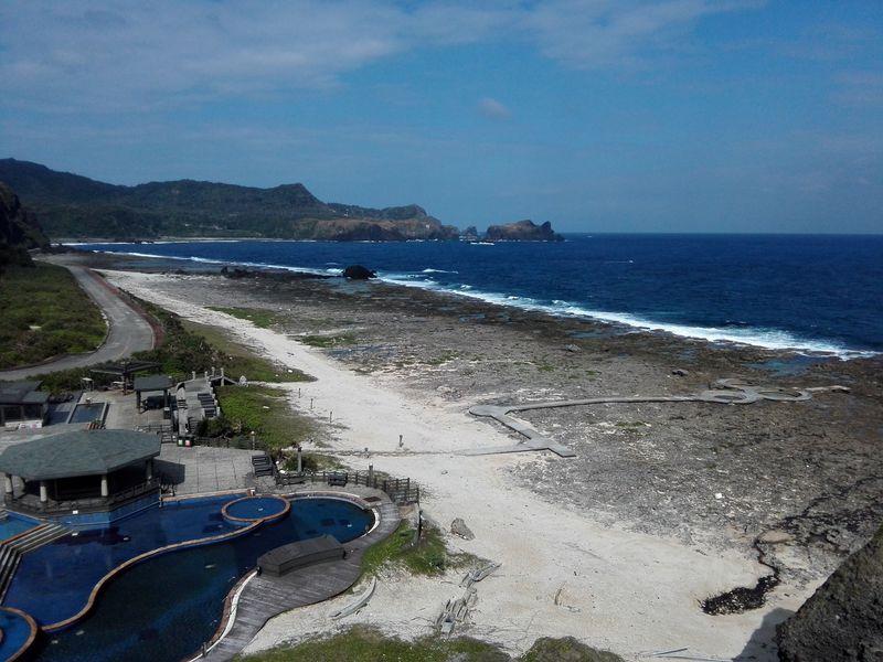 台湾台東「緑島」絶景の岸壁と海底から湧く「朝日温泉」の楽しみ方