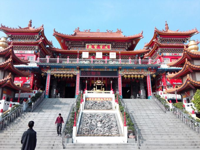 2.蓮池譚の龍虎塔 3.左営啓明堂