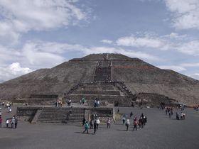 メキシコシティ1日モデルコース!テオティワカン遺跡や歴史地区も