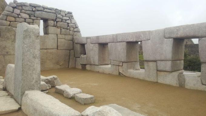 12:00〜14:00:遺跡の見所「段々畑」「3つの窓の神殿」「インティワナ」