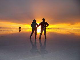 絶景とアクティビティーが満載!ウユニ塩湖1日観光モデルコース