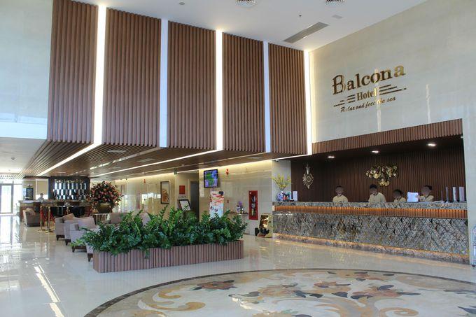 ミーケビーチに面して建つバルコナホテル