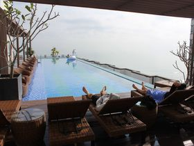 ダナンのハイアンビーチホテル&スパはプールと朝食とコスパが抜群!