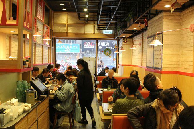 香港のファミレス「茶餐店(チャーチャンテン)」で食事も!