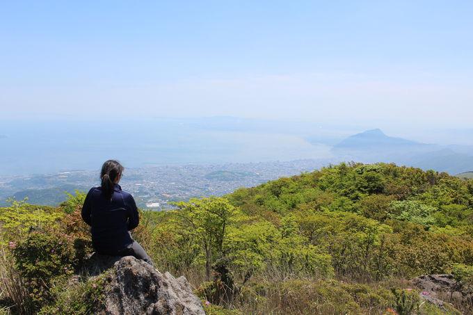 山頂から海側を眺めると別府湾の絶景!