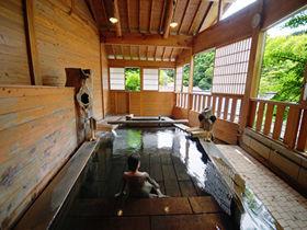 黒川温泉入湯手形の仕掛人「ふもと旅館」の9種貸切風呂が凄い!