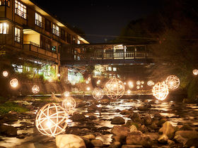 黒川温泉冬の風物詩「湯あかり」幻想的な竹灯りの楽しみ方!