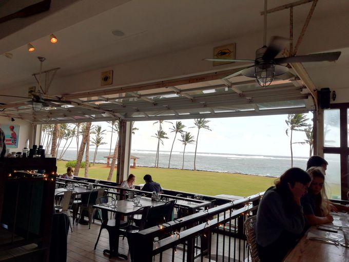 1.海の眺めが最高「Sam's Ocean View Restaurant」