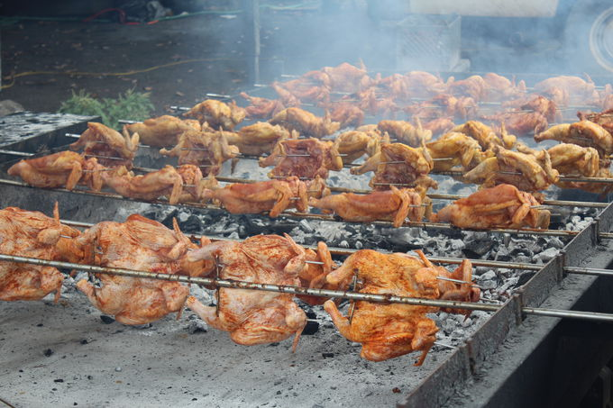 1.Ray's Kiawe Broiled Chickenの炭焼きフリフリチキン