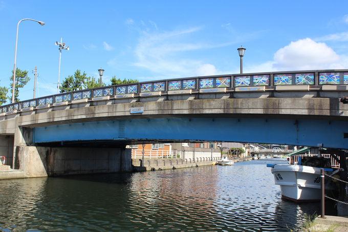 カラフルなステンドグラス「神楽橋」