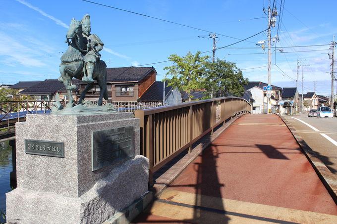 歴史を感じる「放生津(ほうじょうづ)橋」