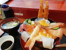 寿司とシメパフェ?大分・佐伯市「亀八寿司」は美人女将がキリモリ