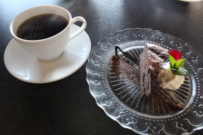 カフェ・軽食・地元食を自家栽培食材で頂く!