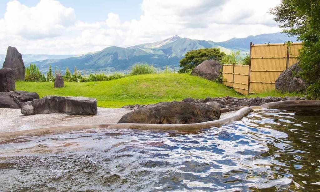 勿論、露天風呂からの眺めもサイコ〜!