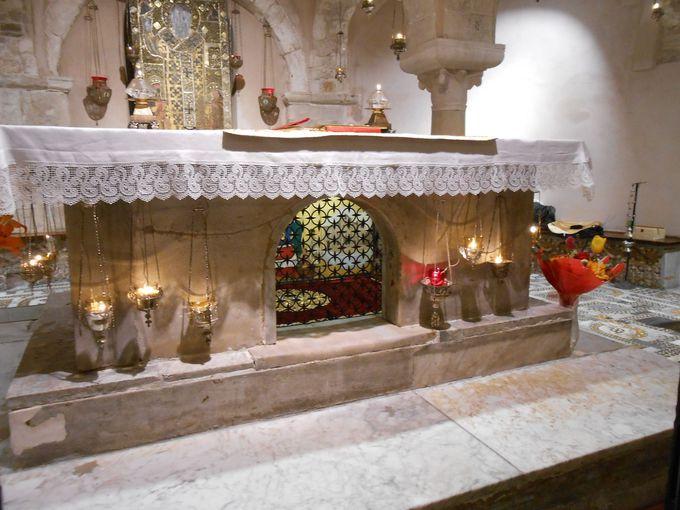 サンタクロースが眠るのは地下聖堂