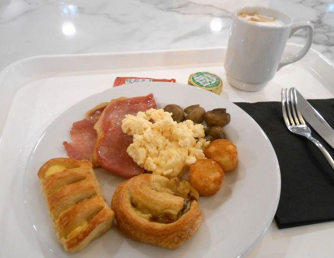 朝食はブッフェで好きなだけ