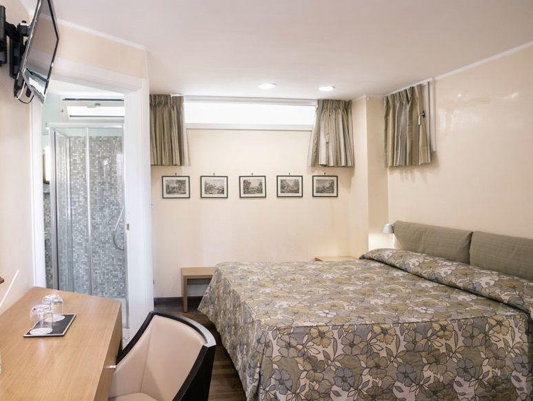 サービスたっぷりのスイートルームは当主の寝室